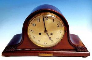 Buffet-Uhr