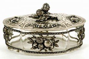 Zierdose mit 800er Silbermontierung