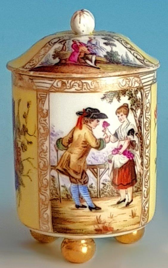 Zuckerdose in Alt Wiener Art.